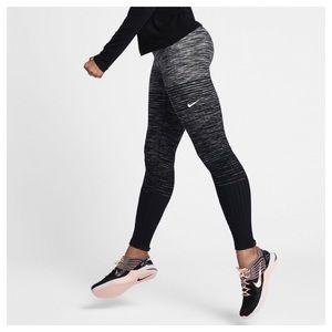 NIKE Pro Hyperwarm  Womens Training Tights Size XL